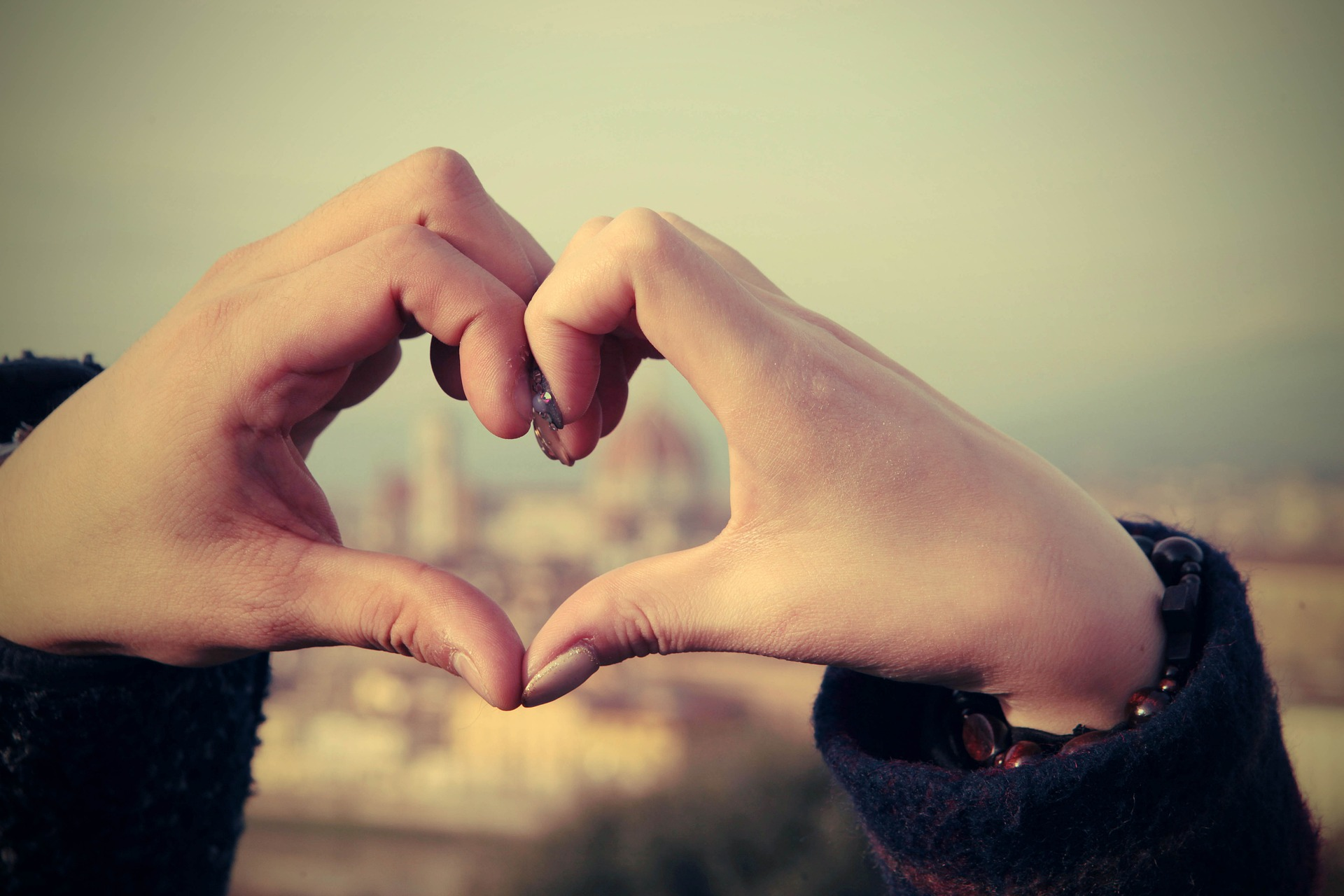 Honeymoon Hände Herz