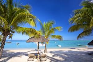 liegestühle-am-sandstrand-mauritius