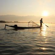 einbeinruderer-inle-lake-myanmar