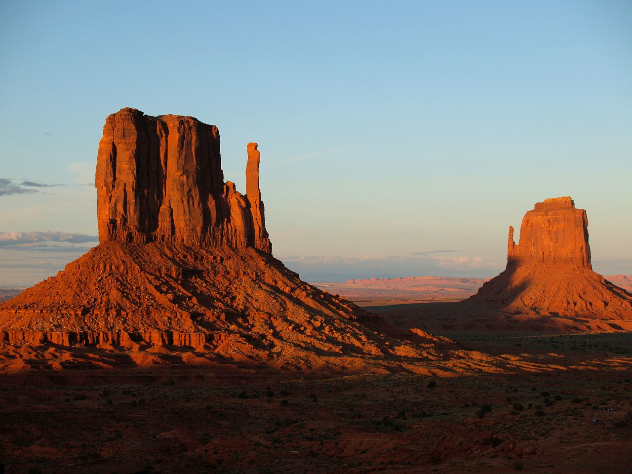 monument-valley-usa-sunset