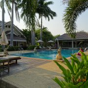 Royal Cities, Klassisches Nordthailand, Hotel, Lodge, Bungalow, Thailand, Asien, Rundreise, Pool, grün